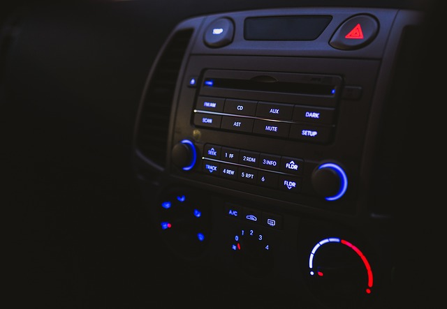car-2595248_640